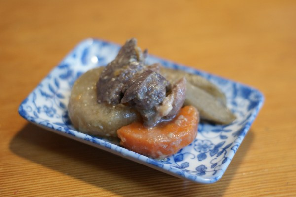 猪肉と根菜の煮物