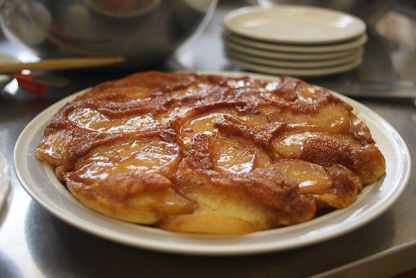 若穂のリンゴを使ったケーキ